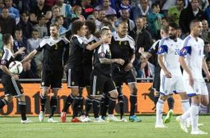 Belgium seize vital three points vs. Israel despite Kompany's red card