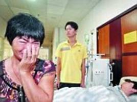 Chinese mother has TWO sons with kidney failure and must decide who will get her organ